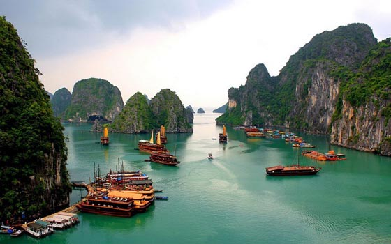 Ha Long Bay Vietnam For Tourist Attractions